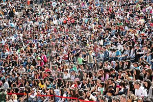 crowd-people-14285590